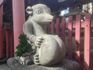 柳森神社 狸像