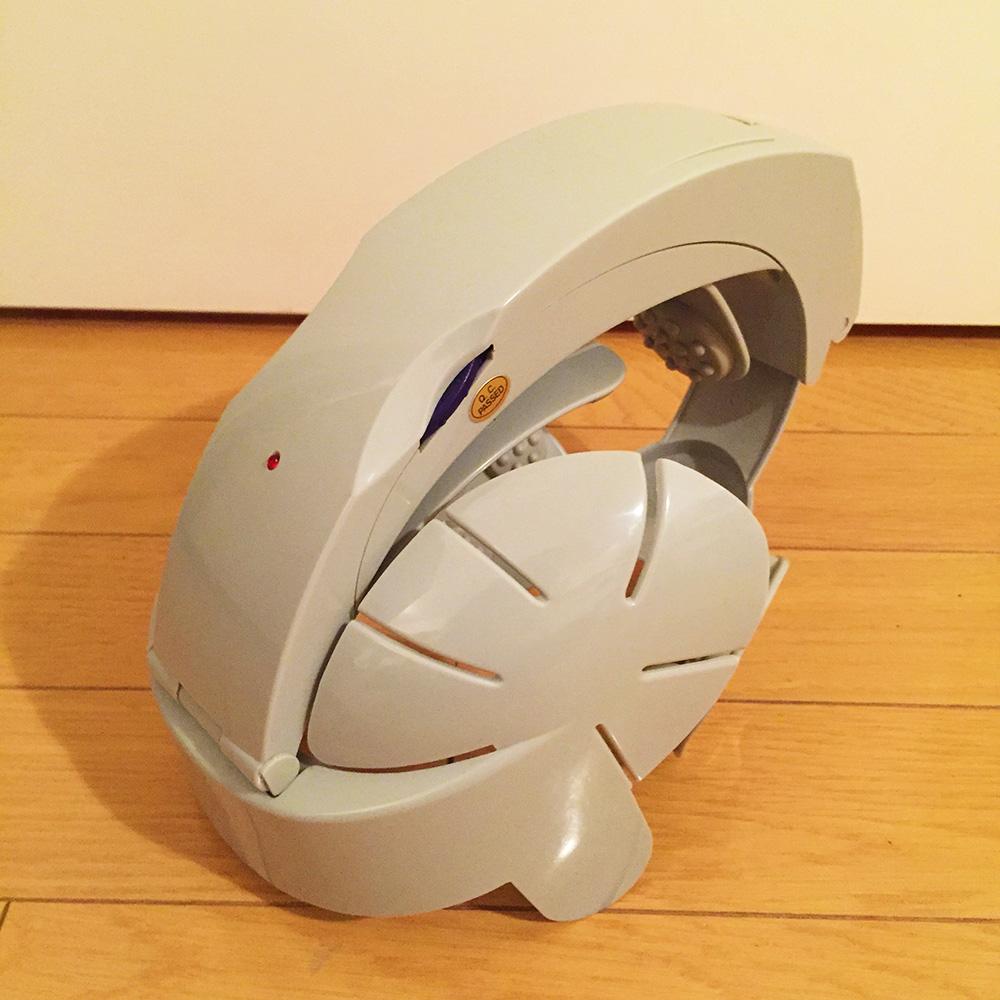秋葉原のぶるぶるヘルメット斜め